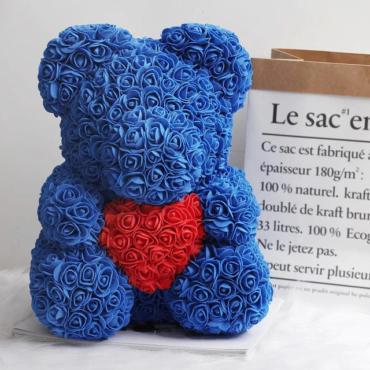 Medvedek iz penastih vrtnic, modre barve z rdečim srčkom, 40cm