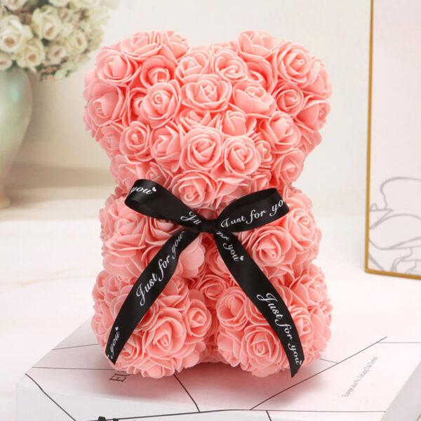 Medvedek iz penastih vrtnic krem barve, 25 cm