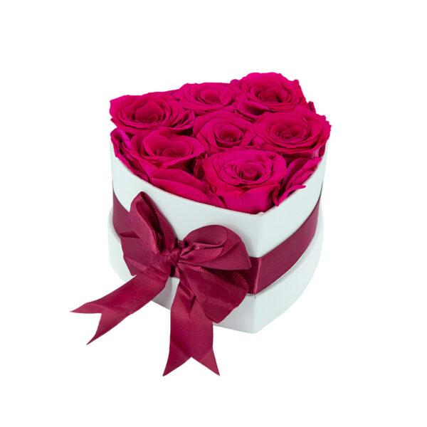Dologotrajni Šopek iz 7 Vrtnic Fuksija Barve v Beli Škatlici v Obliki Srčka