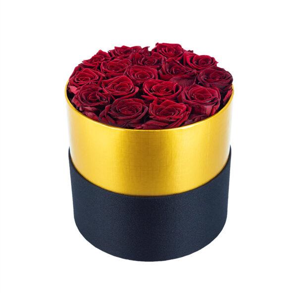 Dologotrajni Šopek iz 16 Temno Rdečih Vrtnic v Črno Zlati Škatli