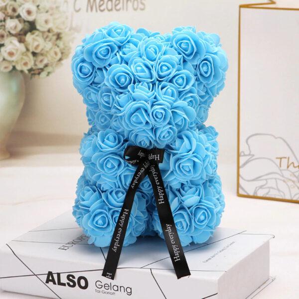 Medvedek iz penastih vrtnic svetlo modre barve, 25 cm