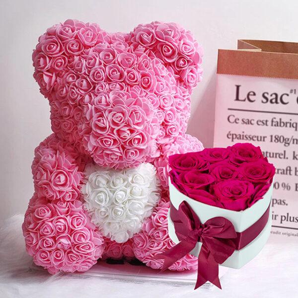 Medvedek iz Vrtnic (40cm) in Dologotrajni Šopek iz 7 Vrtnic Fuksija Barve v Beli Škatlici v Obliki Srčka