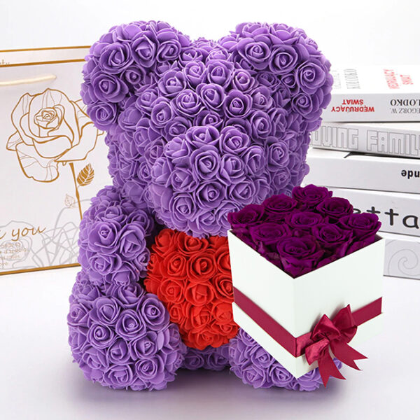 Medvedek iz Vrtnic (40cm) in Dologotrajni Šopek iz 9 Vijoličnih Vrtnic v Beli Škatlici