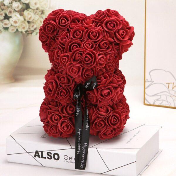 Medvedek iz vrtnic temno rdeče barve, 25cm