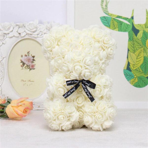 Medvedek iz penastih vrtnic bele barve, 25 cm