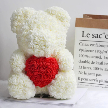 Medvedek iz vrtnic bele barve z rdečim srčkom, 40 cm