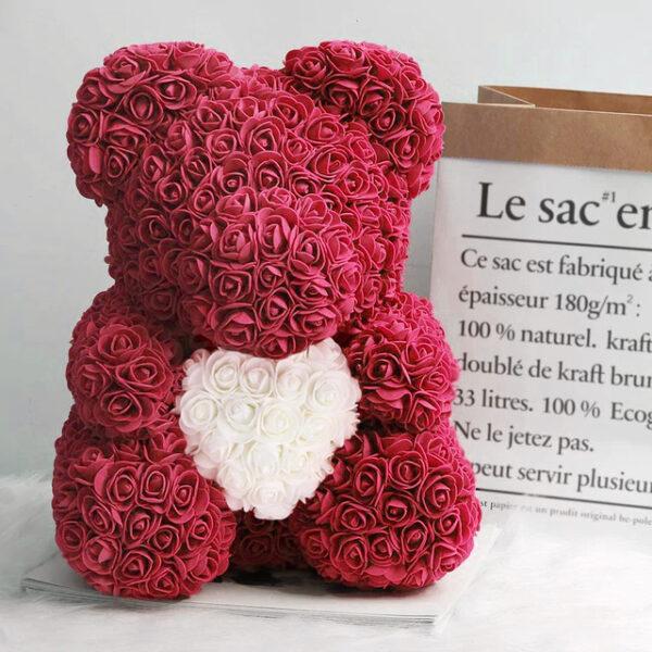 Medvedek iz penastih vrtnic temno rdeče barve z belim srčkom, 40cm