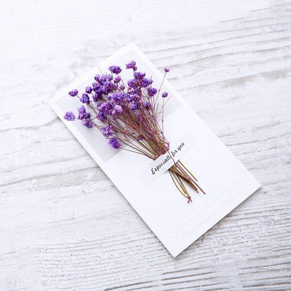 Čestitka-s-Šopkom-iz-Pravih-Rož-Vijolične-Barve