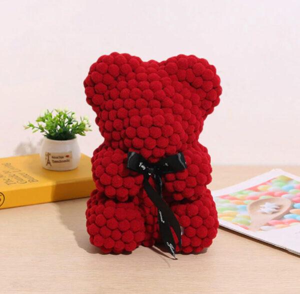 Medvedek-iz-bombažnih-kroglic-temno-rdeče-barve-25cm